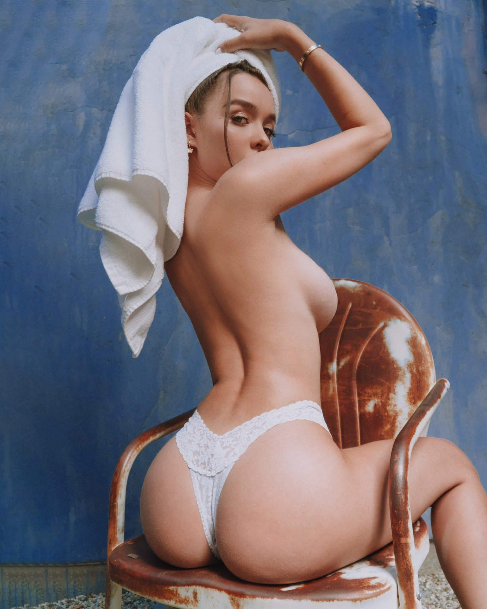 Sophie mudd naked