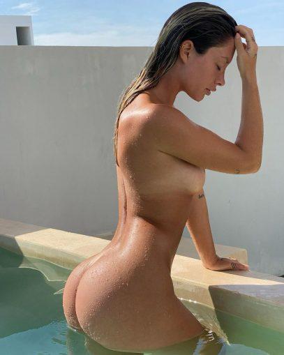 Nude pauline Naked Pauline