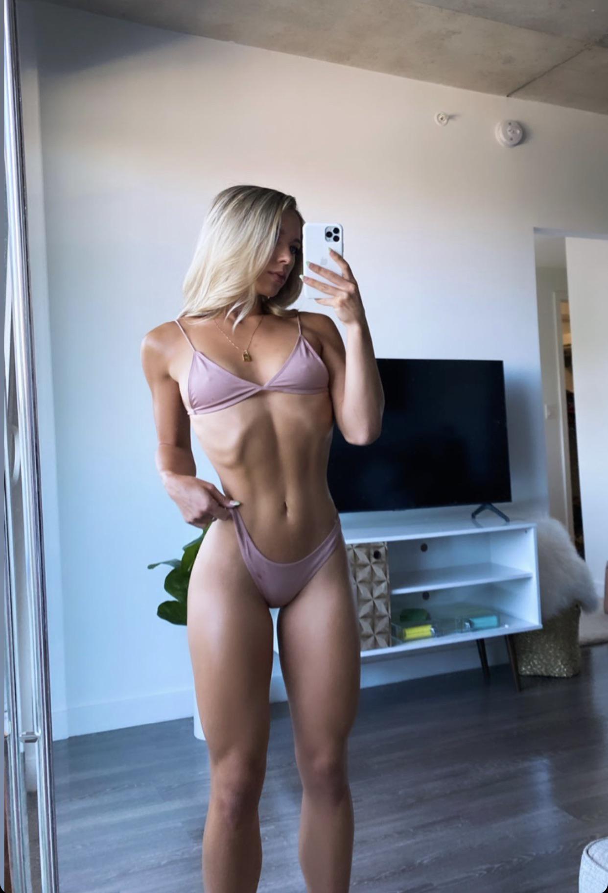 Sarah nackt Houchens Sarah Houchens