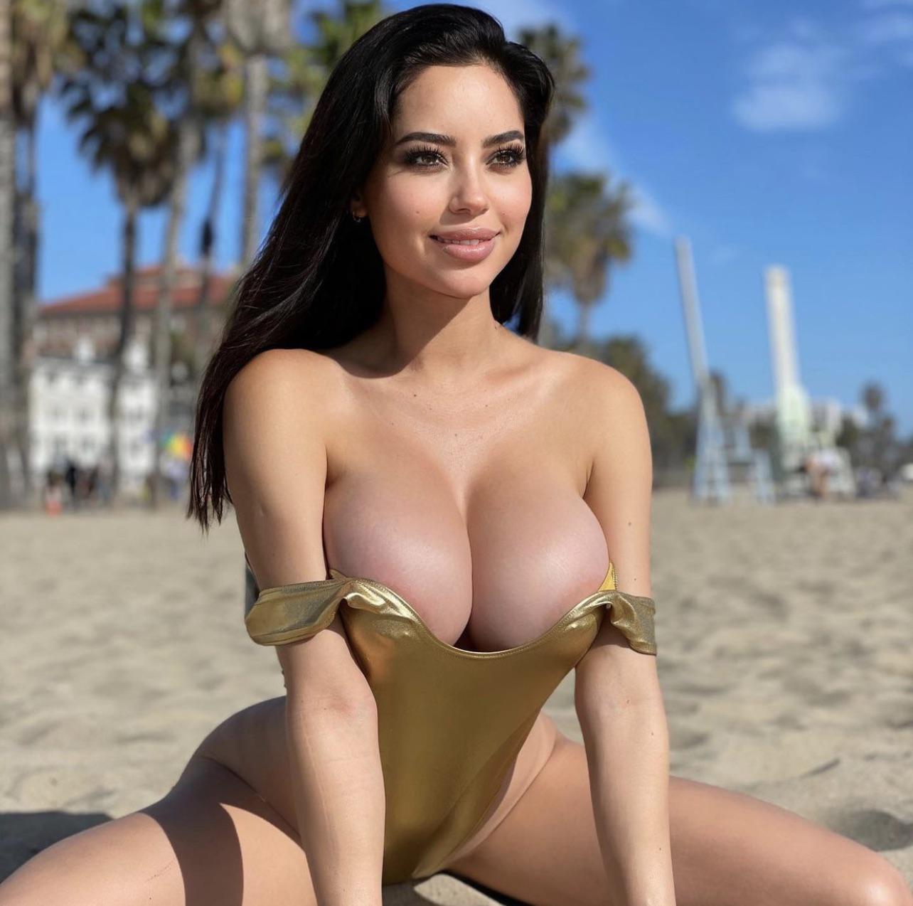 Nude yotta Marisol